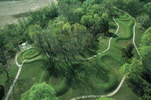 Serpent-Mounds